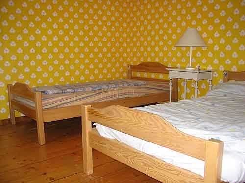 Description of bedroom